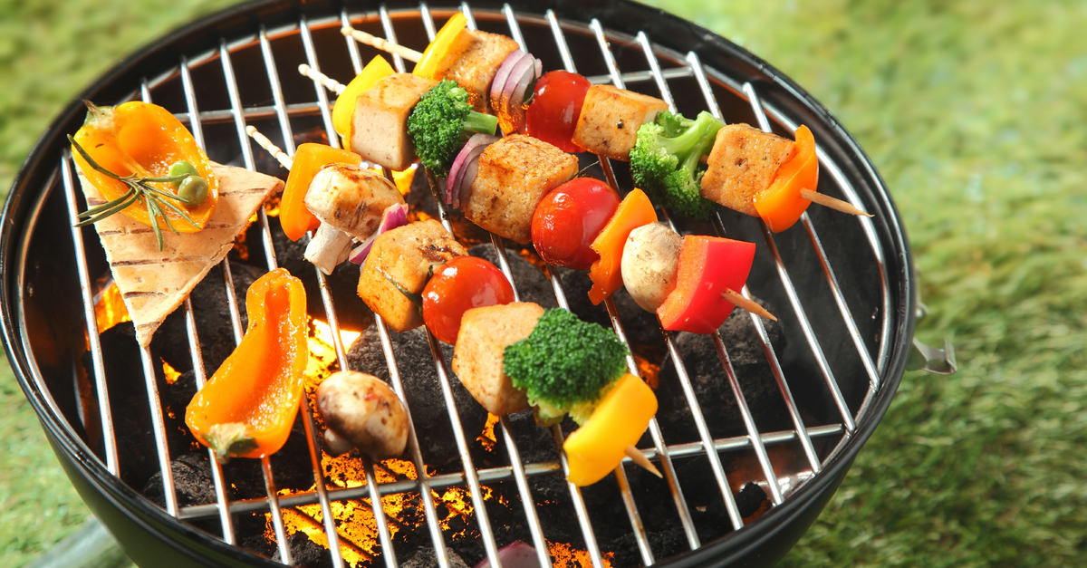 9 Memorial Day BBQ Tips TO Keep Your Health On Track